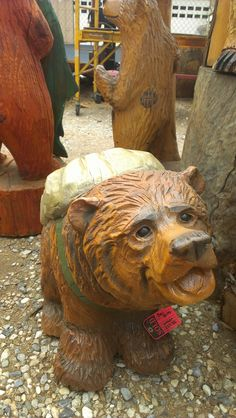 Chainsaw Carvings  http://bigbearcarvings.com/