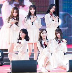 Queen of sinc Entertainment, G Friend, Bias Wrecker, Korean Girl, Girl Group, Rapper, Ruffle Blouse, Kpop, Army