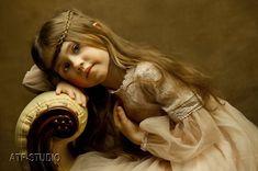 """Polubienia: 130, komentarze: 1 – Anna R (@atfstudio) na Instagramie: """"Cudowna Emilka. #sesjezdjeciowe #sesjerodzinne #sesjedziecięce #sesjeportretowe #dziecko…"""""""