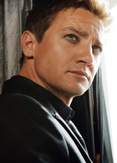 jeremy renner-one of my favorite actors! #thetown