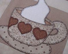 perfect for a kitchen towel Felt Crafts, Fabric Crafts, Sewing Crafts, Diy And Crafts, Sewing Projects, Applique Templates, Applique Patterns, Applique Designs, Mug Rug Patterns