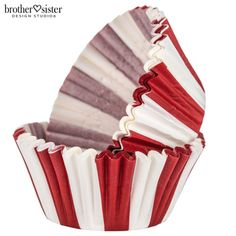 Red & White Striped Carnival Baking Cups Carnival Cupcakes, Carnival Decorations, Carnival Themed Party, Carnival Birthday Parties, Carnival Themes, Circus Birthday, Circus Party, Carnival Party Favors, Clown Party