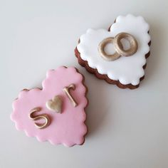 En güzel mutfak paylaşımları için kanalımıza abone olunuz. http://www.kadinika.com Söz nişan düğün kurabiyeleri  #keklendik #cookie #dugunhazirliklari #lezzet #foodie #flower #istanbul #istanbuldayasam #istanbullife #sugarart #sunum #objektifimden #mutfak #mutluyumçünkü #instasyon #instafood #gulumseaska #birkarehayat #organizasyon #sunumonemlidir #mutfakgram #mutluluk #mutlulukheryerde #butikkurabiye #dugunkurabiyesi #weddingfavors #nisankurabiyesi #kurabiye