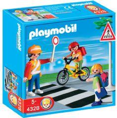 Definitely love the crossing guard, plus kids walking and biking to school. #playmobil