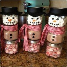 Stacked Jar Hot Chocolate Snowmen 44 DIY Gifts in a Jar dodoburd.com/diy-gifts-in-a-jar