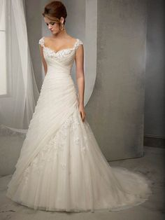 SHEATH/COLUMN SWEETHEART SLEEVELESS TULLE APPLIQUE COURT TRAIN WEDDING DRESSES, BEADED ZIPPER BACK CHIFFON WEDDING DRESS WITH BUTTONS                                                                                                                                                                                 More