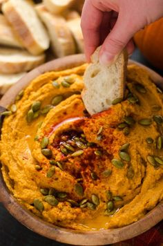 This quick, easy, and flavorful fall appetizer is. This quick, easy, and flavorful fall appetizer is perfect for party Cold Party Appetizers, Vegetarian Appetizers, Appetizer Recipes, Snack Recipes, Cooking Recipes, Fall Recipes, Vegan Recipes, Thanksgiving Snacks, Pumpkin Hummus