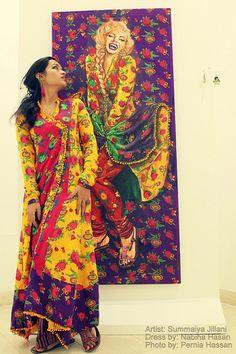 A Karachi-based artist, Summaiya Jillani took a little over two weeks to paint her version of the iconic, beautiful, Marilyn Monroe. Posing in front of the master piece (Baar baar dekho - hazaar baar dekho) is the artist herself:) Pakistan Art, Karachi Pakistan, Indiana, Pakistani Culture, Cultural Identity, Truck Art, Pakistan Fashion, Islamic Art, Traditional Dresses