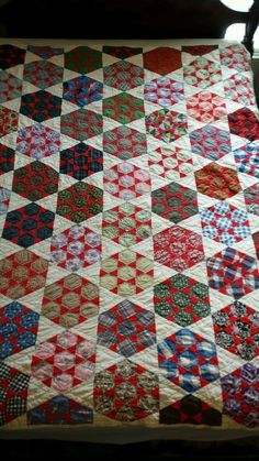 Vintage Handmade Scrap English Paper Pieced Hexi Quilt Feedsack Shirting Fabric