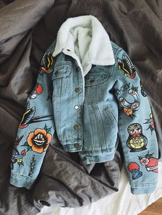 denim jacket with old school tattoo scketches handmade women clothes - denim jacket with old school tattoo scketches handmade women clothes The Effective Pictures We Offe - Petite Denim Jacket, Denim Jacket With Fur, Denim Jacket Patches, Painted Denim Jacket, Jean Jackets With Patches, Cute Jean Jackets, Painted Jeans, Vest Jacket, Diy Vetement