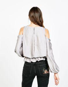 Blusa off shoulder cetim - Camisas - Bershka Portugal