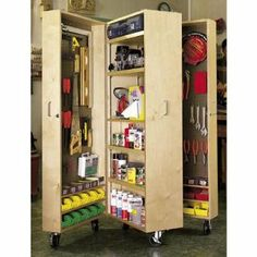 Mobile Tool Cabinet: Downloadable Woodworking Plan: Editors of WOOD Magazine: e-Books & Docs