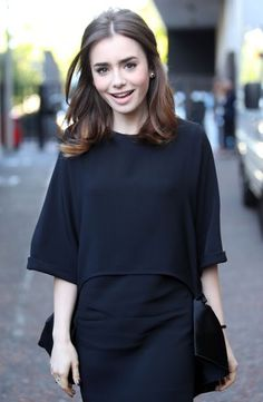 Lily Collins media gallery on Coolspotters. See photos, videos, and links of Lily Collins. Bob Haircuts For Women, Long Bob Haircuts, Trendy Haircuts, New Haircuts, Cheveux De Lily Collins, Lily Collins Hair, Medium Hair Cuts, Medium Hair Styles, Short Hair Styles