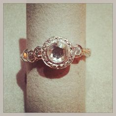 Just Jules - Bubble engagement ring in white gold with rose cut diamonds. DVVS Fine Jewelry