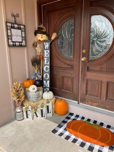 Fall Apartment Decor, Fall Entryway Decor, Fall Yard Decor, Front Door Decor, Fall Home Decor, Front Porch, Fall Decorations, Front Doors, Hobby Lobby Fall Decor