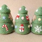 今週中に出品を予定しておりましたサンタさんとXmasのオーナメント 今日がちょうどXmasまで1ヶ月なので、本… Felt Christmas Decorations, Christmas Crafts, Wool Needle Felting, Felt Art, Chai, Diy And Crafts, Diy Stuff, Handmade, Design