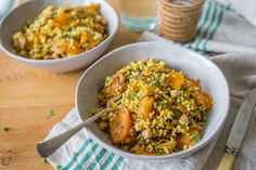 This spiced carrot & millet salad is perfect for work/school lunches as you can eat it cold as well. You can of course mix it up with whatever you have.