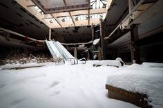 An abandoned mall in Akron created the perfect winter wonderland for a young photojournalist from Ohio.