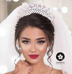 - Rote lippen (make up) -Afaq Hair: Dreaming Makeup von: Afag Prichoska von: HaÑ . - Rote lippen (make up) - Wedding Makeup Tips, Wedding Makeup Artist, Bridal Hair And Makeup, Bride Makeup, Wedding Hair And Makeup, Hair Makeup, Hair Wedding, Dress Makeup, Makeup Lipstick