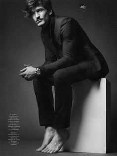 Jarrod-Scott-Vogue-Hommes-International-04.jpg 730×973 pixels