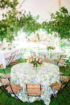Photography: Lauren Rosenau Photography - www.laurenrosenauphotography.com   Read More on SMP: http://www.stylemepretty.com/2016/09/30/colorful-florist-turned-bride-wedding/
