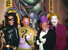 Batman: The Movie — Lee Meriwether as Catwoman, Frank Gorshin as The Riddler, Burgess Meredith as The Penguin & Cesar Romero as The Joker. (The beautiful Julie Newmar played Catwoman on the TV Series) Catwoman Cosplay, Cosplay Gatúbela, Cosplay Ideas, Batman 1966, Im Batman, Batman Robin, Batman Stuff, Gotham Batman, The Riddler