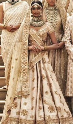 super Ideas for sabyasachi bridal saree saris india Lehenga White, Red Lehenga, Anarkali, Patiala Salwar, Floral Lehenga, Indian Bridal Outfits, Indian Bridal Wear, Indian Dresses, Bridal Dresses