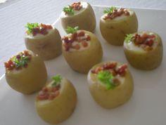 Mini batatas com queijo fundido