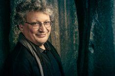 René Jacobs führt gemeinsam mit dem B'Rock Orchestra bei uns seine Auseinandersetzung mit dem Symphoniker Schubert fort. Zu hören ist u.a. die Unvollendete. Rock, Chefs, Jon Snow, Game Of Thrones Characters, Fictional Characters, Bandleaders, Teaching Time, Conductors, Opera