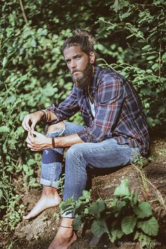 """All our wisdom is stored in the trees."" Ben Dahlhaus photographed by Esra Sam #beards"