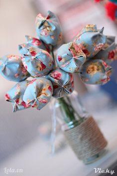 Vải hoa, bông nhồiKẽm, băng keo sáp Kéo, kim , chỉ