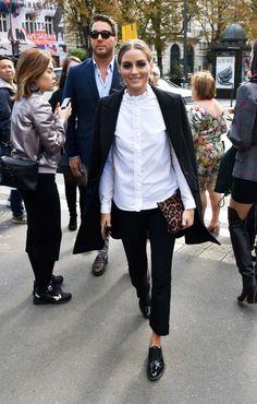 Olivia Palermo at the L'Avenue restaurant in Paris. Olivia Palermo at the L'Avenue restaurant in Paris. Style Olivia Palermo, Olivia Palermo Outfit, Olivia Palermo Lookbook, Work Fashion, Paris Fashion, Women's Fashion, Fashion Trends, Fashion Sets, Winter Fashion