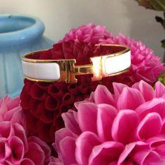 78b9a162aca5 Les 87 meilleures images du tableau Hermès sur Pinterest   Bracelets ...