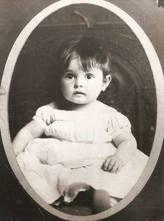 Clara Bow 1906ish?