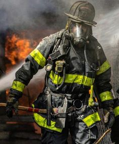 Daily Man Up Photos) - Suburban Men Firefighter Apparel, Firefighter Workout, American Firefighter, Firefighter Training, Firefighter Family, Firefighter Paramedic, Firefighter Pictures, Firefighter Quotes, Volunteer Firefighter