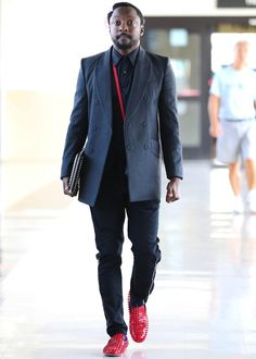 Pintrest: >> Will i Am Smart Dress Code, William Black, Hip Hop World, Red Louboutin, Its A Mans World, American Rappers, Inspiring People, Suit And Tie, Well Dressed Men