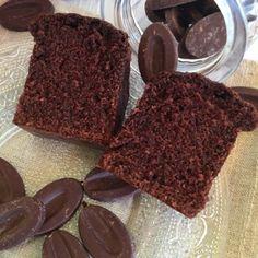 Je sais !!! Je suis inexcusable, non seulement j'ai du retard sur les publications des recettes que je vous avez promismaisen plus je n'avais pas encore de recette de cake au chocolat…