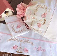 v Embroidery Art, Machine Embroidery, Embroidery Designs, Little Birdie, Decorative Towels, Baby Bedding Sets, Cool Baby Stuff, Applique Designs, Burp Cloths