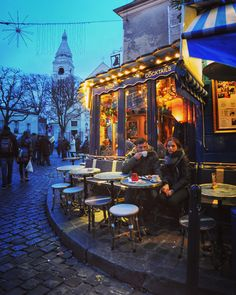 Montmartre at Christmas Paris France travel travelblogger photooftheday travelphotographer travelpics