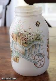 Bildergebnis für Decoupage in Olivenölglas Recycled Glass Bottles, Glass Bottle Crafts, Wine Bottle Art, Diy Bottle, Decoupage Jars, Napkin Decoupage, Mason Jar Crafts, Mason Jar Diy, Tin Can Crafts