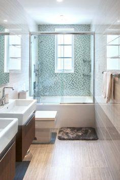 moderne schwedische villa badezimmer mosaik fliesen | bathroom
