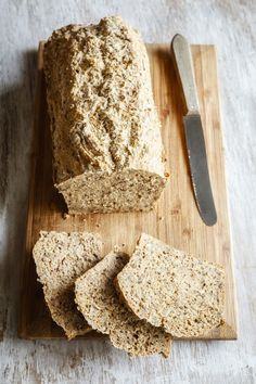 What Is a Delicious Recipe for Gluten-Free Focaccia-Style Flax Bread?