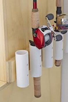 Idei pentru a folosi tuburile PVC in proiecte ingenioase Idei numai bune atat pentru cei care locuiesc la curte cat si pentru cei care locuiesc la bloc de a folosi tuburile PVC in proiecte ingenioase. http://ideipentrucasa.ro/idei-pentru-a-folosi-tuburile-pvc-in-proiecte-ingenioase/