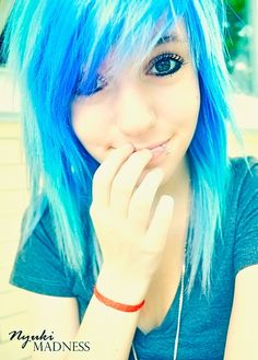 My gosh I love blue scene hair