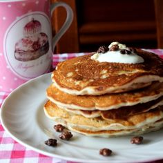 Pancakes with yogurt and without eggs. (In Italian)