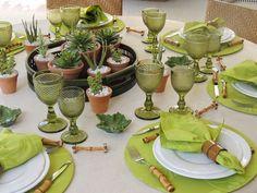 A Decoração de Mesas de Jantar pode ser feita de maneira simples, preparamos 50 modelos lindos e criativos de mesas de jantar decoradas para inspirar.