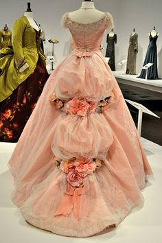 Jennelise: Movie Costumes - Beautiful Dresses on ehre. The pink is from Phantom of the Opera