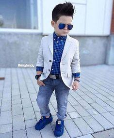 19 ideas children boy fashion outfit for 2019 Toddler Boy Fashion, Little Boy Fashion, Toddler Boy Outfits, Fashion Children, Costume Garçon, Baby Boy Dress, Baby Dresses, Blazer For Boys, Outfits Niños