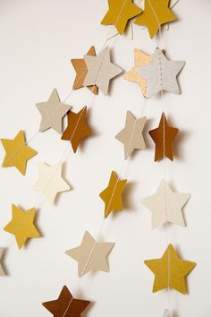Gold paper garland star garland wedding garland by PaperNotebook, New Years Eve Decorations, Xmas Decorations, Origami Garland, Christmas Holidays, Christmas Crafts, Star Garland, Snowflake Garland, Boho Home, Pintura Country