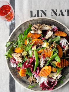 roasted persimmon and veggie salad with honey dressing Healthy Vegetable Recipes, Vegetable Salad, Healthy Salad Recipes, Vegetable Side Dishes, Gourmet Recipes, Vegetarian Recipes, Cooking Recipes, Western Food, Food Presentation